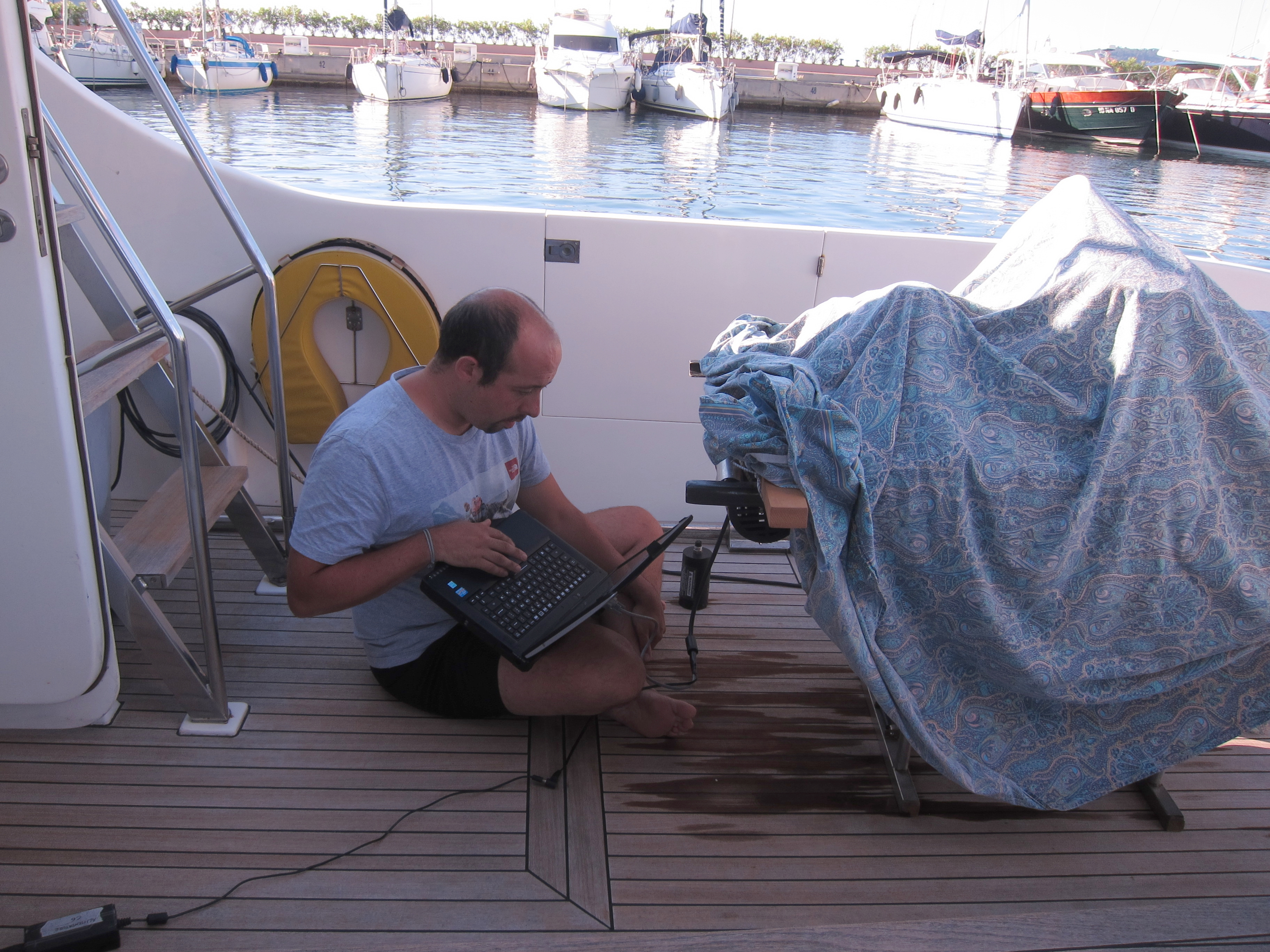 Ligurian 2017 - Researcher at work on the deck